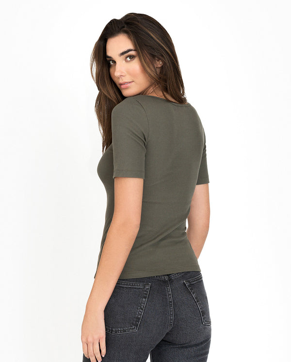 T-SHIRT RIBBED OLIVE GREEN