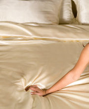 Cream silk bedding set