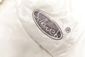 Embroidered Silkweb logo on duvet