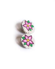 Load image into Gallery viewer, Pink Flower Earrings
