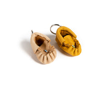 Load image into Gallery viewer, Moccasin Keychain
