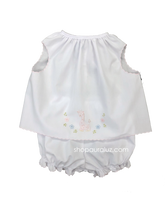 Load image into Gallery viewer, Auraluz Girl Sleeveless 2pc Set...White with pink scallop trim and embroidered giraffe