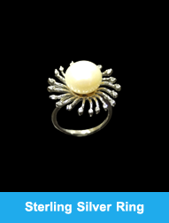 Modern Sterling Silver Ring With Pearl