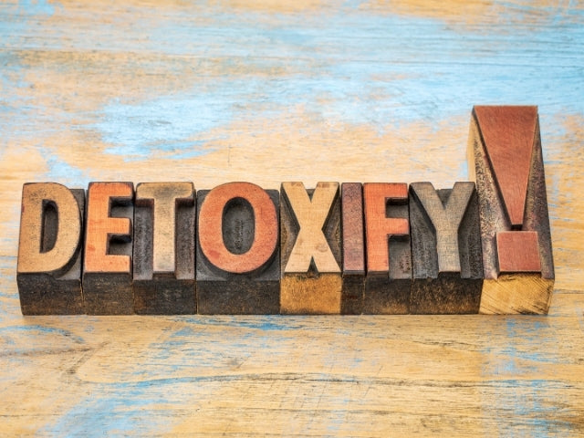 Detox Your Life – It's Been One Helluva Stressful Year!