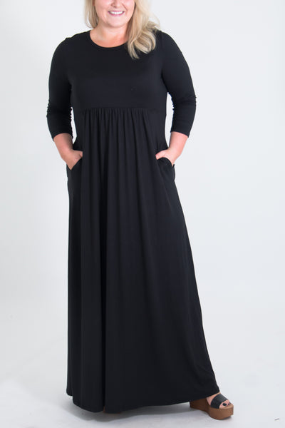 Luna Curvy Maxi Dress