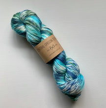 Load image into Gallery viewer, 100g Superwash Merino Wool  and Bamboo - 4 Ply Yarn - Urban Camo