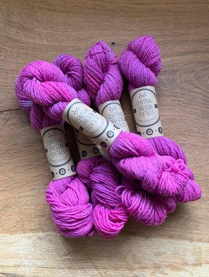 20g skein - Peruvian Wool - Red Cran