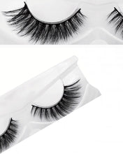 Load image into Gallery viewer, Natural Long 3D Mink Eyelashes