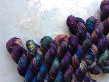 Load image into Gallery viewer, Medusa - Merino Silk - 4ply