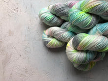 Load image into Gallery viewer, Niji - Merino Silk - 4ply