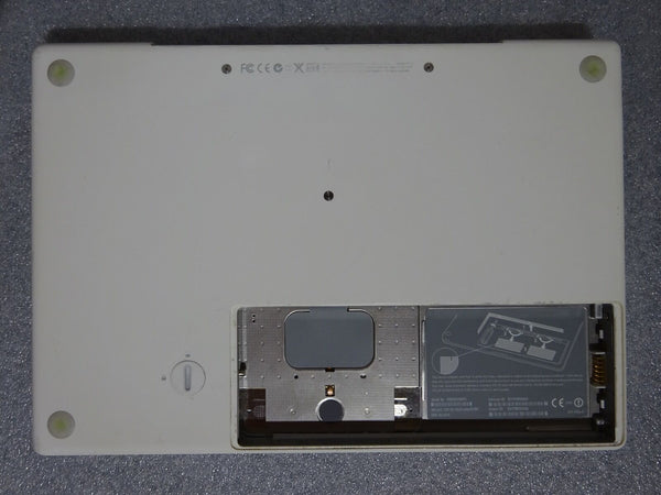 Apple MacBook Laptop Notebook A1181 AS IS