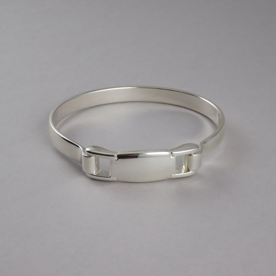 Spring Bangle with Plain Section