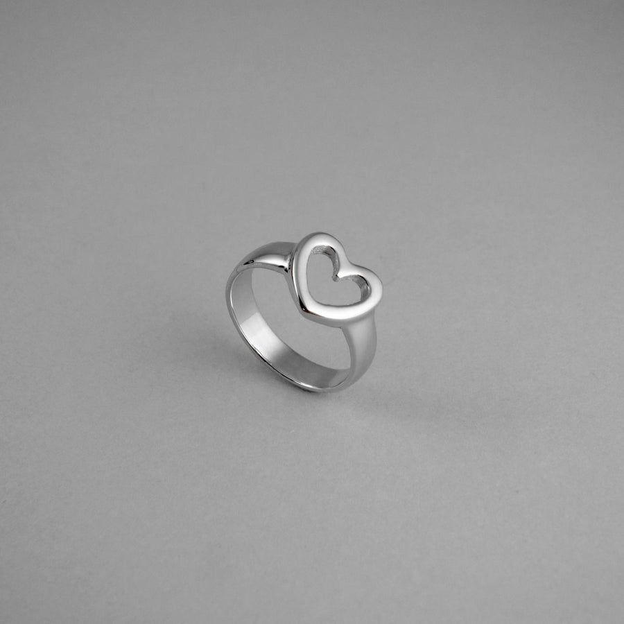 FR41 Small Heart Ring