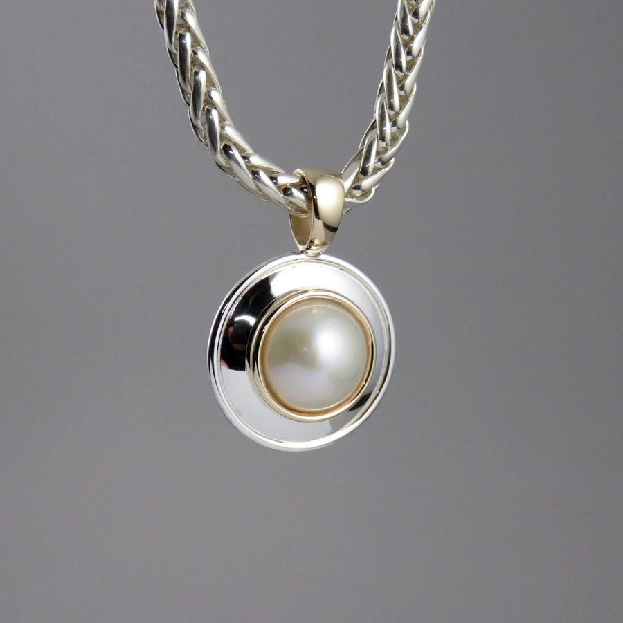 SP1079 One-Off Silver and Gold Pendant with Mabe Pearl