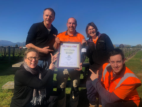 Wine Maker Group Photo With Cert