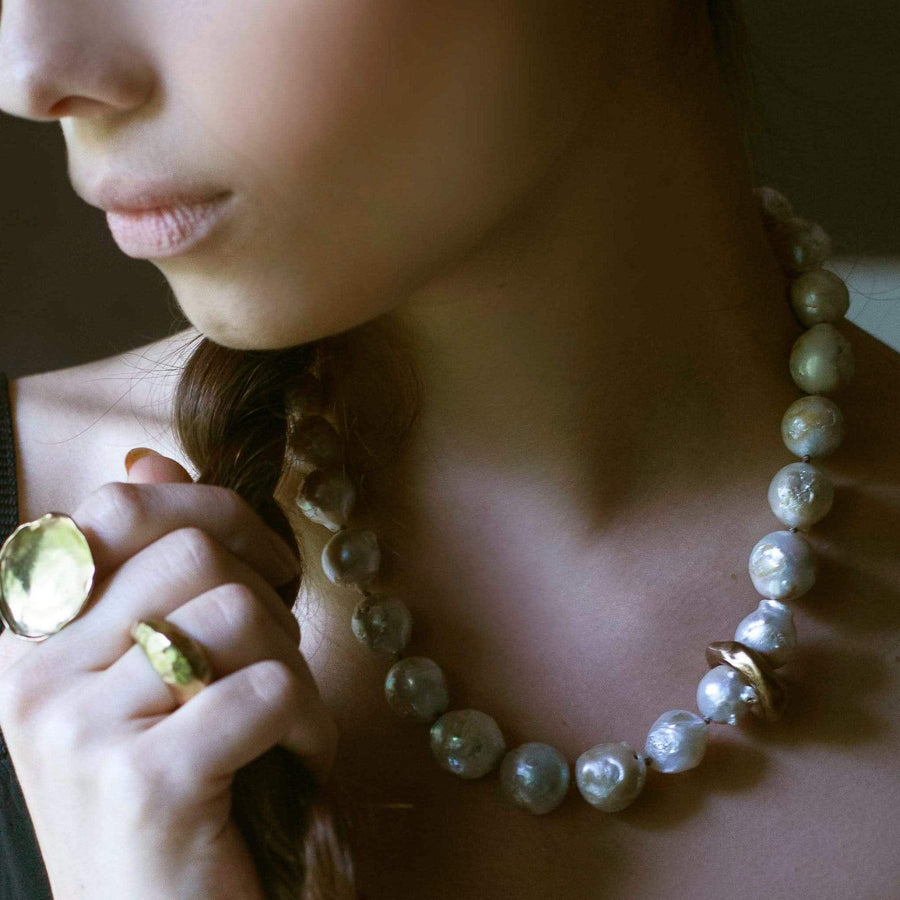 CLOUD PEARL BRONZE NECKLACE