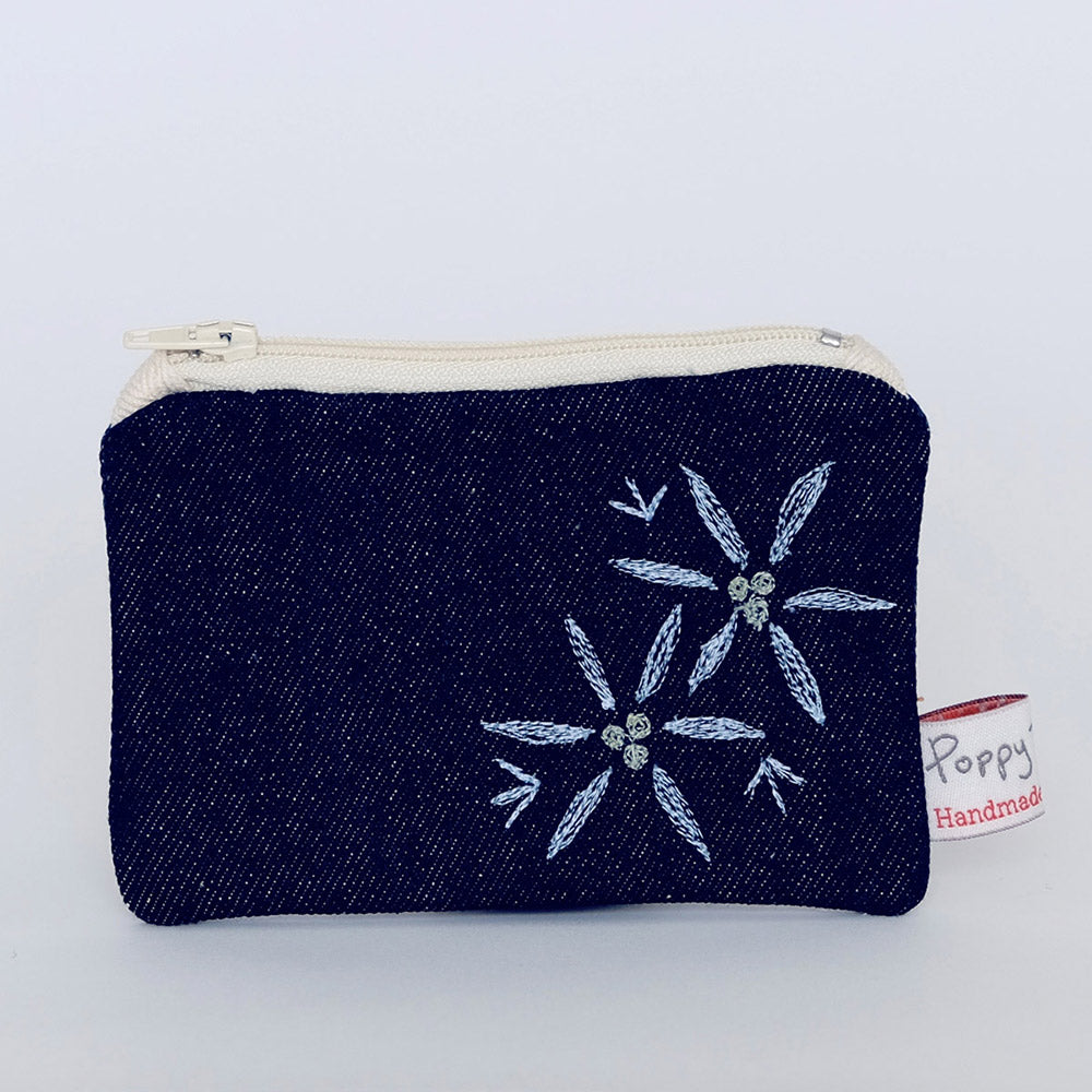 embroidered-useful-purse-with-garlic-flowers-design-by-poppy-treffry