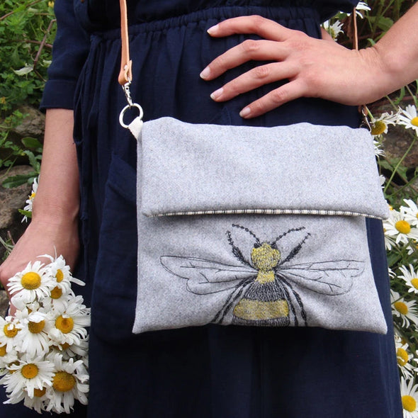 Bee - Embroidered love lane cross-body bag