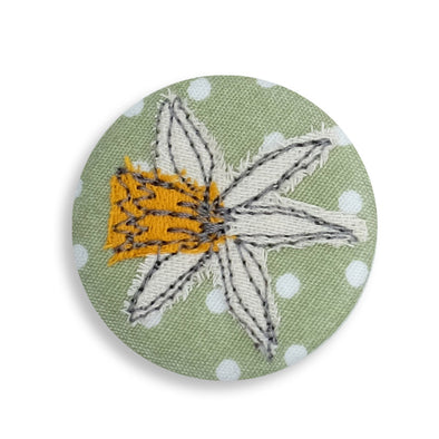 daffodil - pretty badge