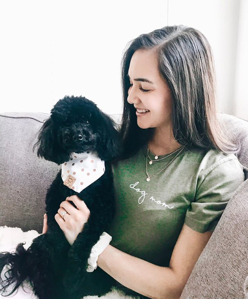 Royal Collections and Co. Minimal Dog Mom T-Shirt OLIVE