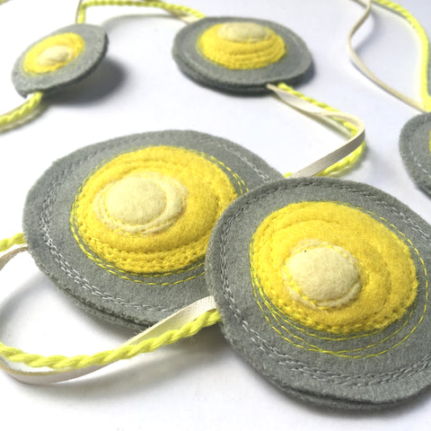 Shinzo Necklace with Rope - Grey/Yellow/White