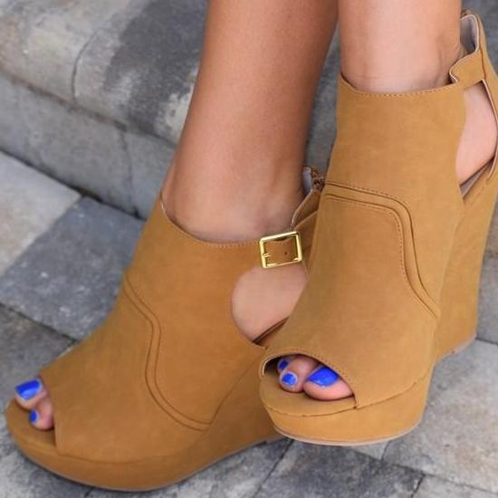 Morgan Wedge- Tan