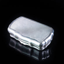 将图片加载到图库查看器中, Antique Imperial Russian Silver Table Snuff Box with Vermeil - 19th Century. - Artisan Antiques