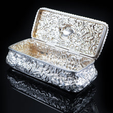 将图片加载到图库查看器中, Antique Large Table Snuff Box with Acanthus Repousse - Birmingham 1901 - Artisan Antiques