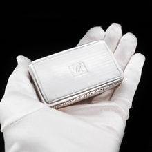 Load image into Gallery viewer, Georgian Engine Turned Solid Silver Snuff Box - Edward Smith 1835 - Artisan Antiques