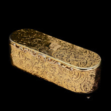 Load image into Gallery viewer, A Splendid Silver Gilt Snuff Box - Charles Rawlings & William Summers 1837 - Artisan Antiques