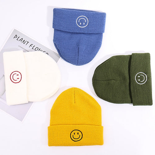 New Skullcap Happy Smile Face Embroidery Casual Acrylic Beanies For Men Women Fashion Knitted Winter Warm Hat Hip-hop Melon Cap