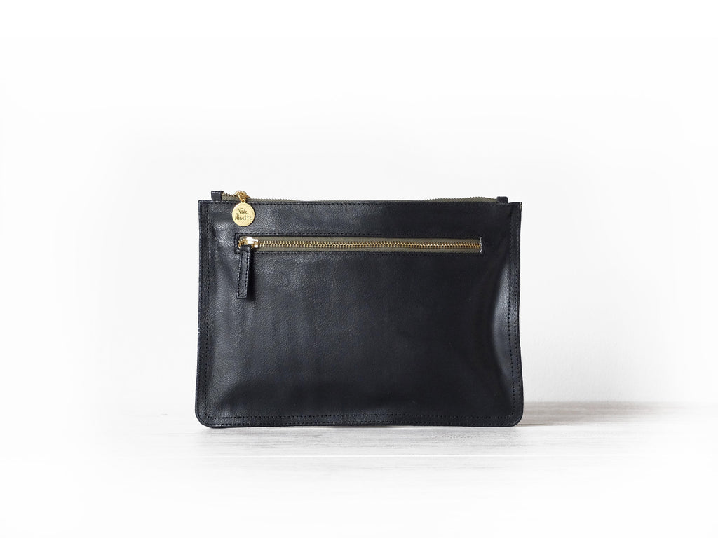Clutch Flat | Crusted black - Vive Ninette | One of a kind leather handbags