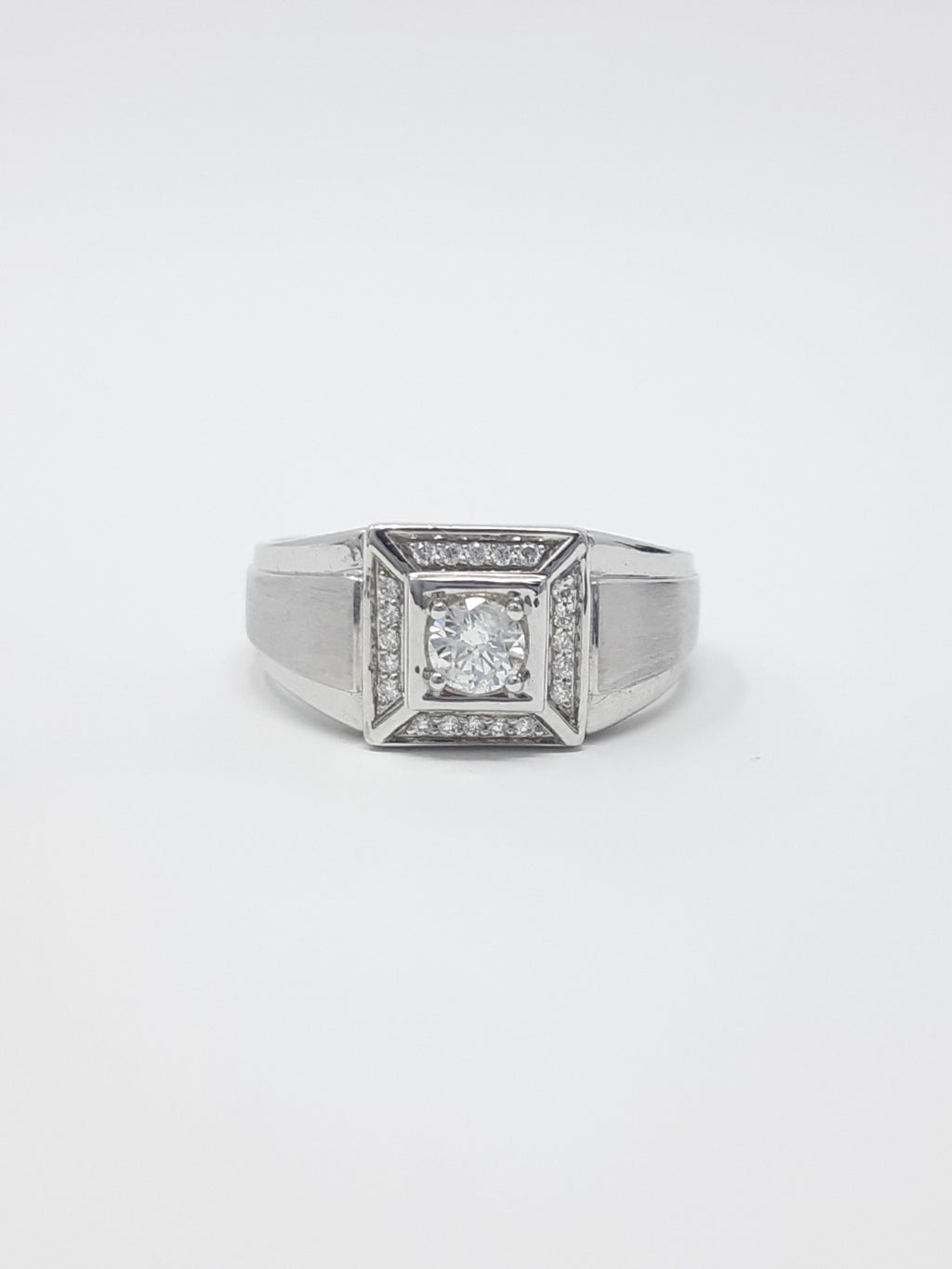 Gents Canadian Diamond Ring