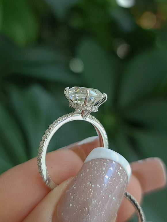 Moissanite Engagement & Wedding Band Set