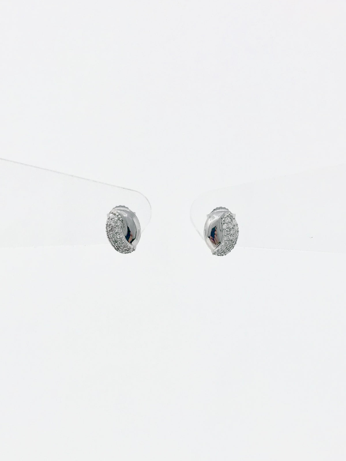 10K White Gold 0.28cttw Pave Diamond Stud Earrings
