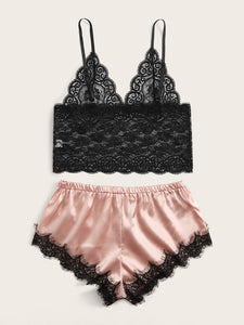 LINGERIE Scalloped Lace Trim Bralette With Satin Shorts - EK CHIC