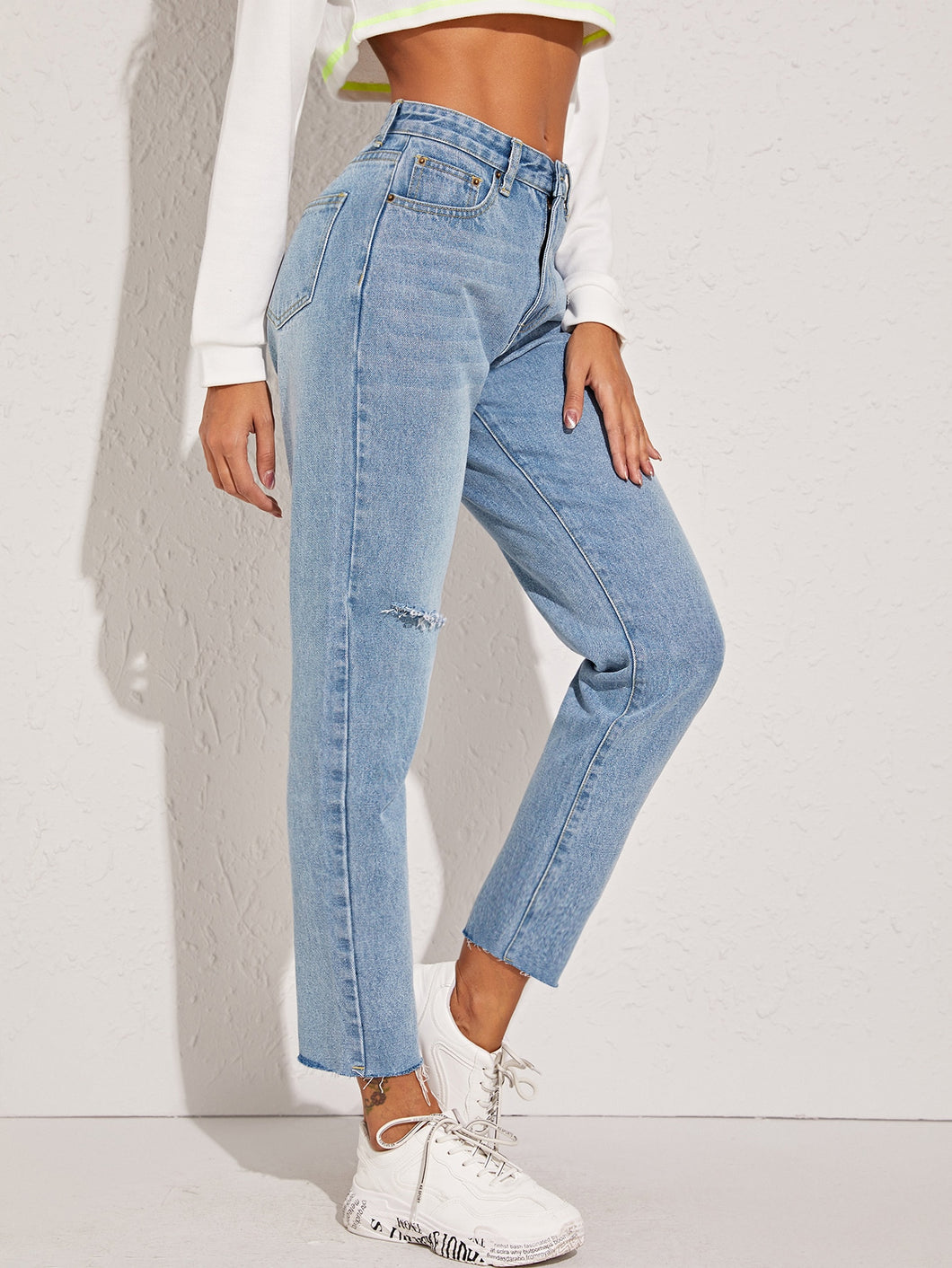 DENIM JEANS Ripped Raw Hem Mom Jeans - EK CHIC
