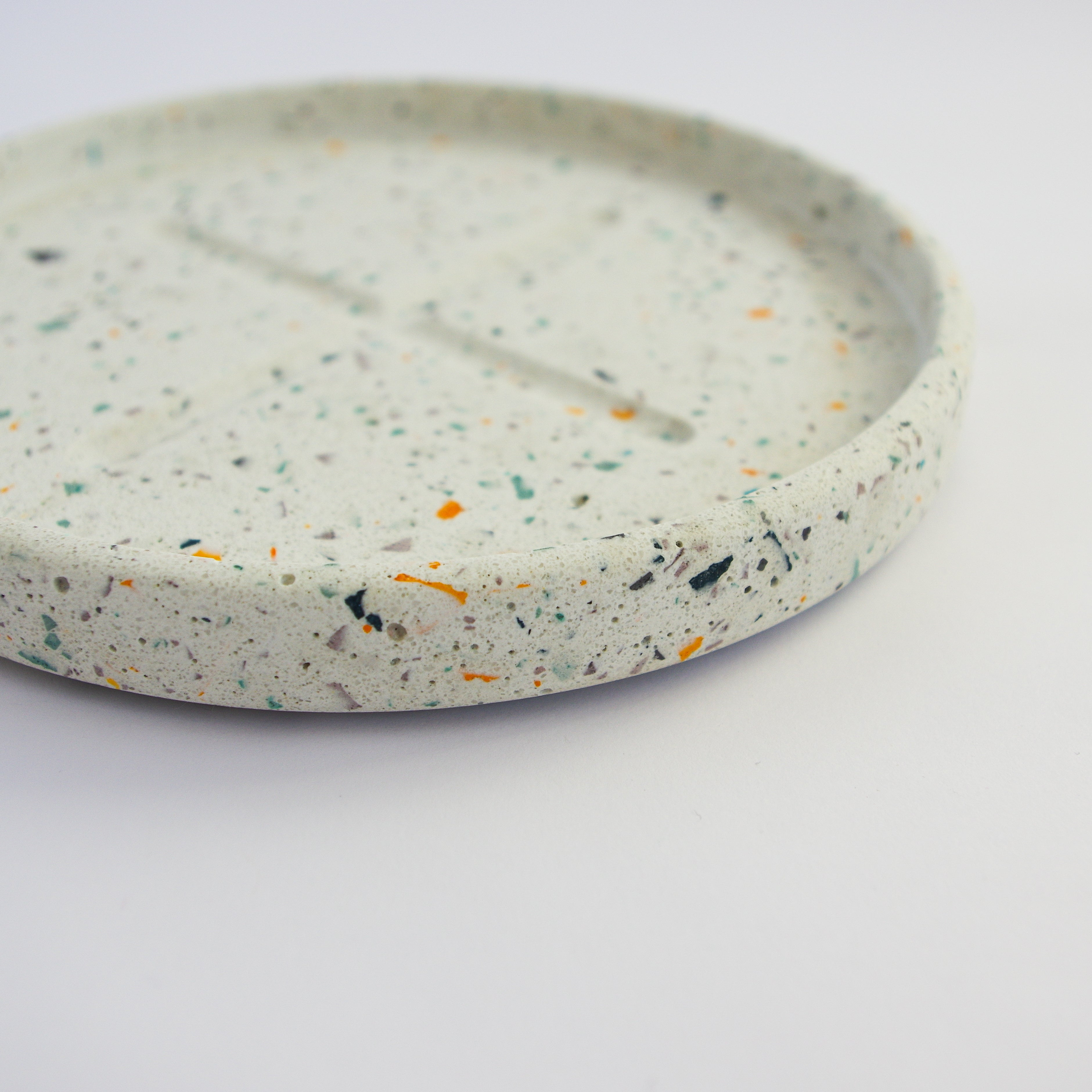 Small Round Tray in WASTE