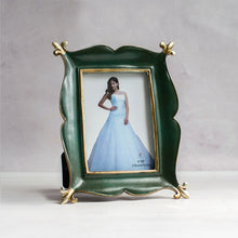 Load image into Gallery viewer, Magical Carpet Shape Table Photo Frame For Home Decor