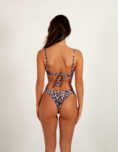 Load image into Gallery viewer, Paloma Top - Leopard