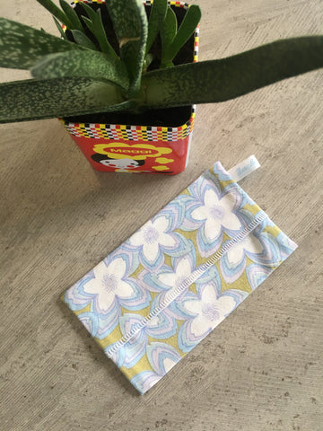 "Etui ""Flowers power"" - Gamme Seconde Chance"