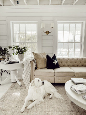 Liz-Marie-Galvan-Queen-of-White-Farmhouse