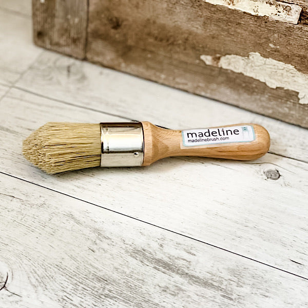 Madeline-Wax-Brush-tapered-tip-mini