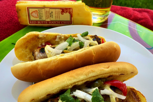 Kickin' Chile & Cheese Brats
