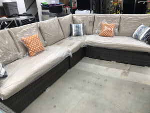 Liva Springs Grandeur All-Wicker 4-Piece Outdoor Patio Sectional Set with Beige Cushions