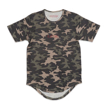 Load image into Gallery viewer, Kilos To Paris Scoop Tee in Camo and Red