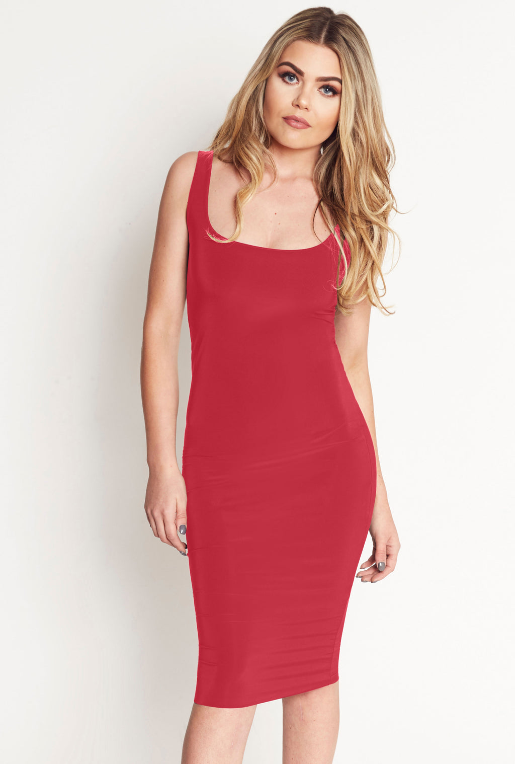 Harper Scoop Neck Bodycon Midi Dress in Red