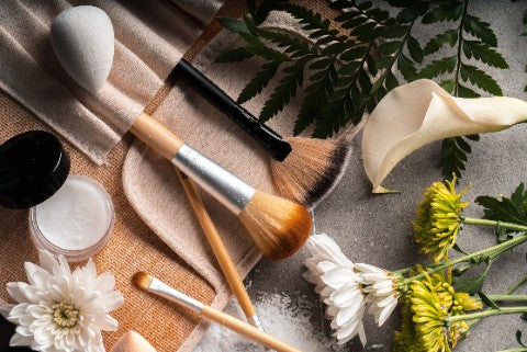makeup-brushes-flowers