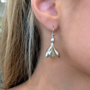 Green Quartz Leucojum Earrings by Andrew O'Dell