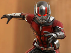 Ant-Man and the Wasp MMS497 Ant-Man 1/6th Scale Collectible Figure